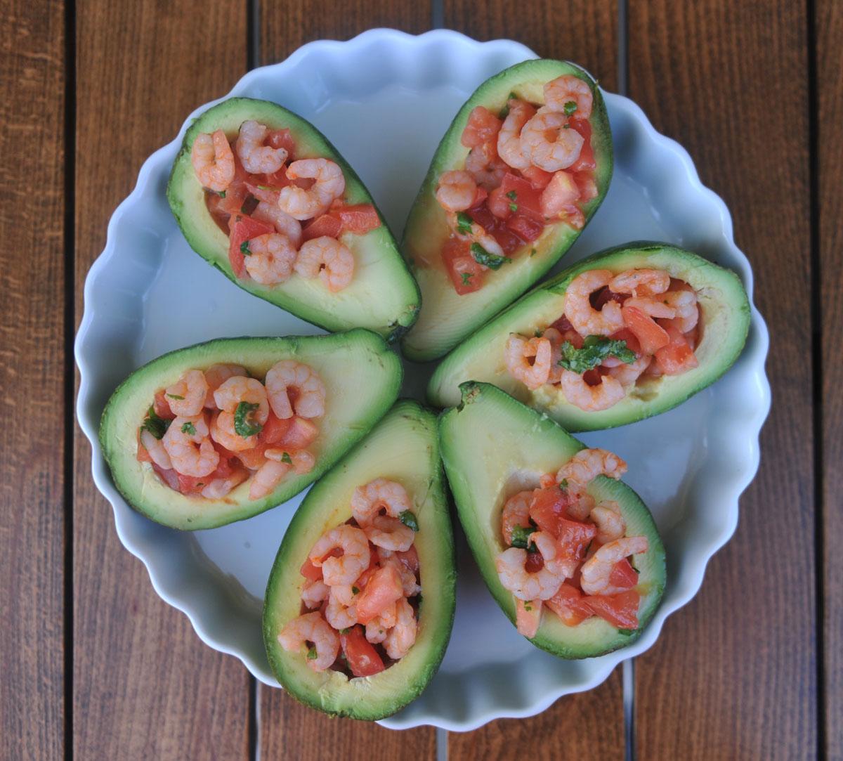 Авокадо с домати и скариди