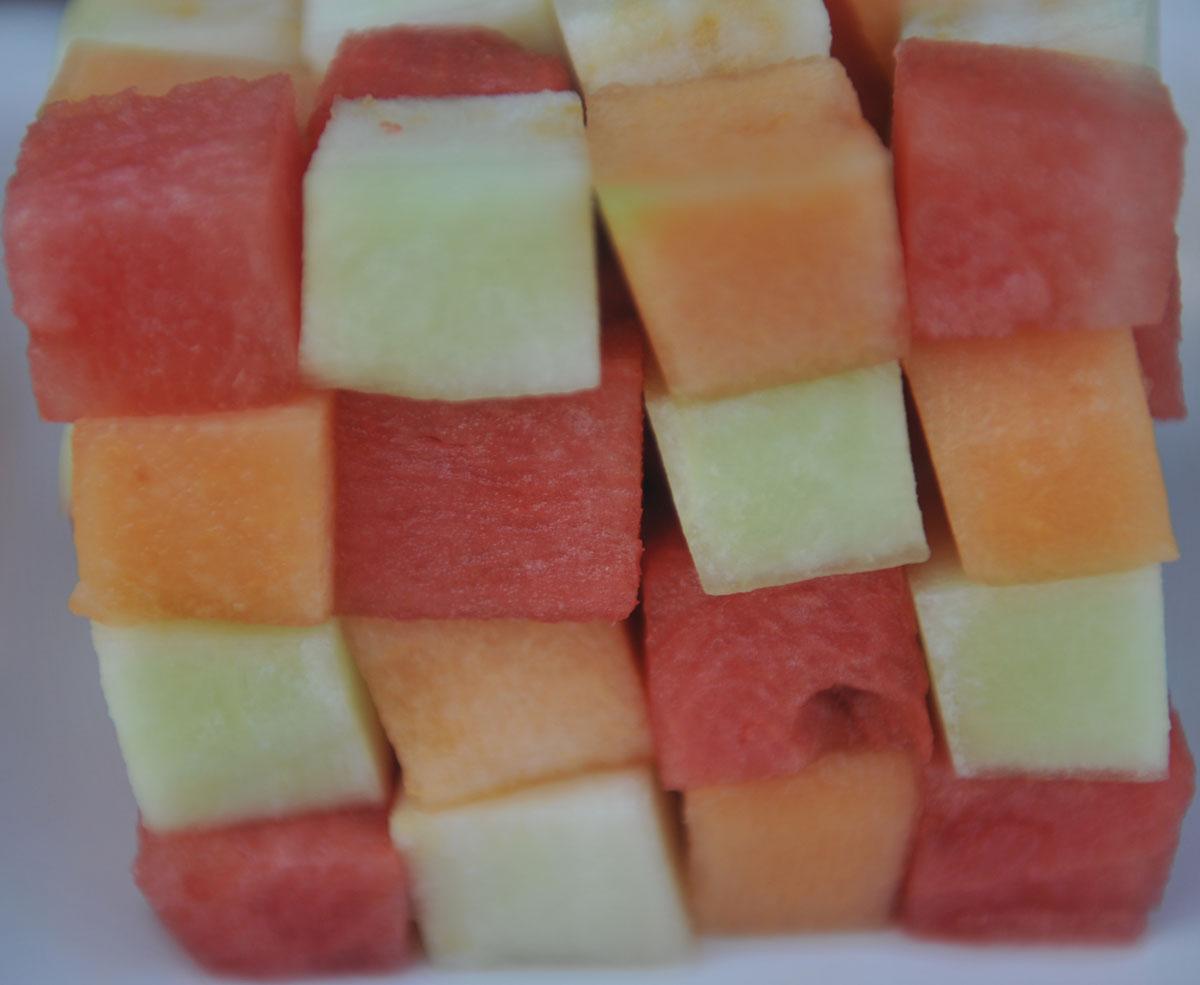 Плодово кубче