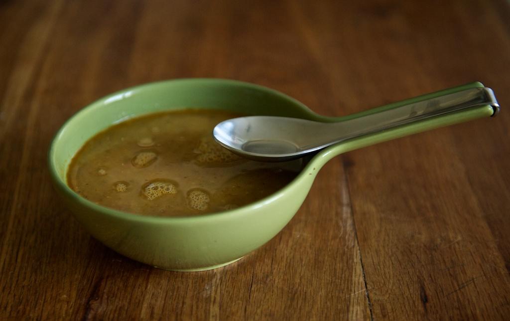 Супа от боб и песто