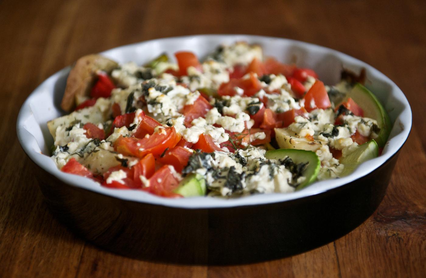 Зеленчуци на фурна със сирене