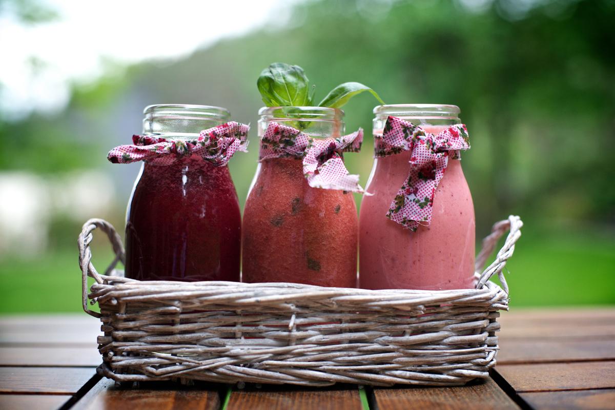Три вида сок с ягоди